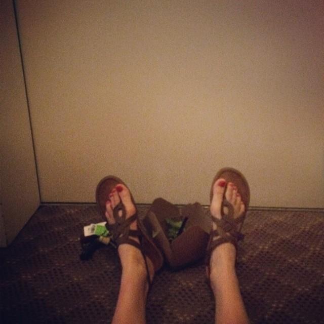 Jessy Schram Feet