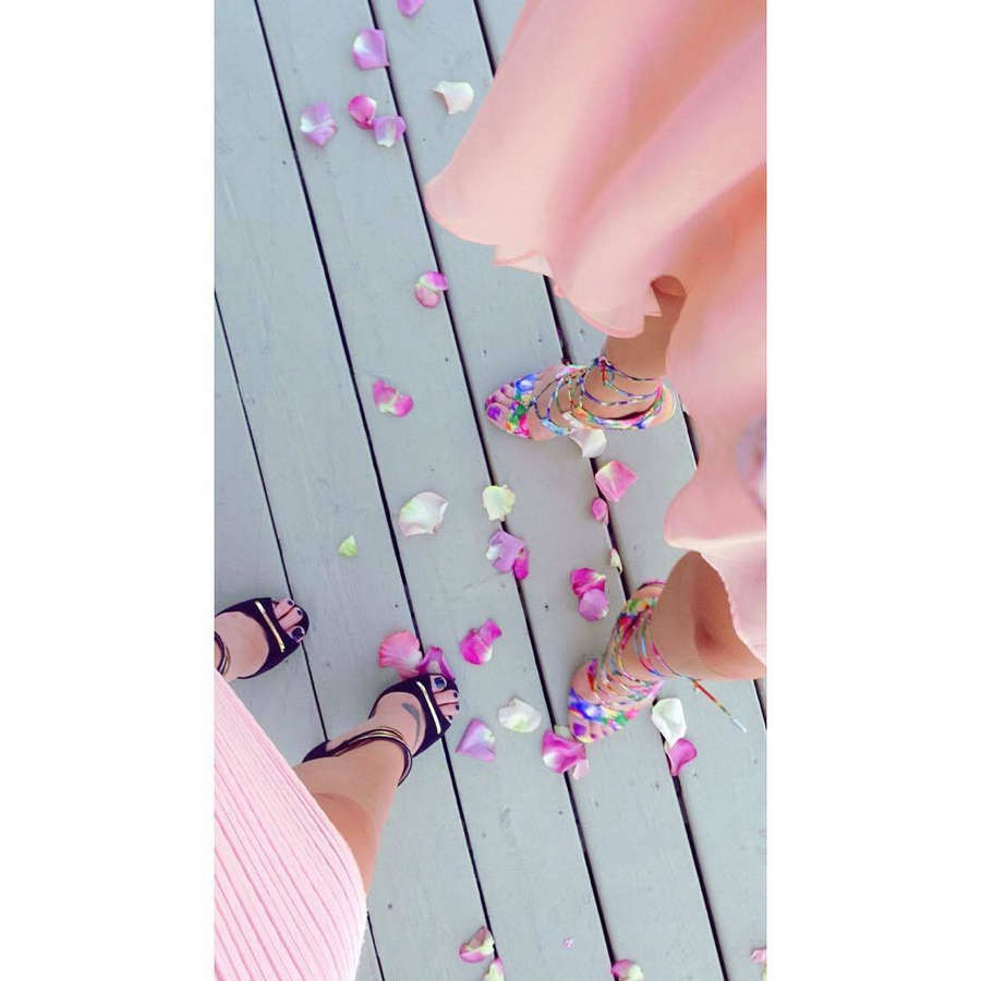 Alli Chung Feet