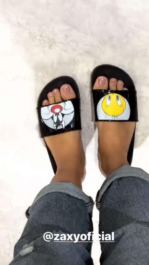 Thaynara Oliveira Gomes Feet