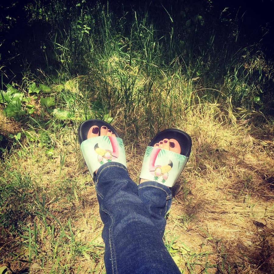 Anna Simon Feet
