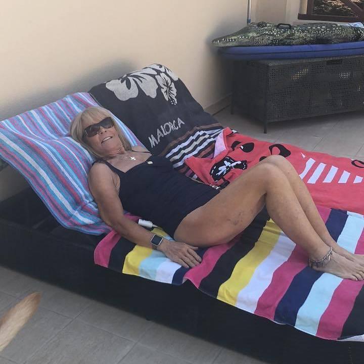 Linda Robson Feet