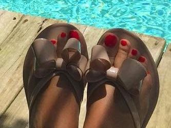 Florencia Tesouro Feet