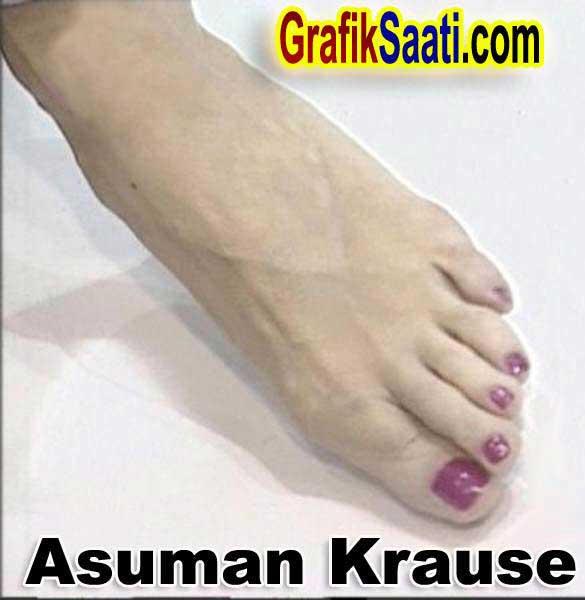 Asuman Krause Feet