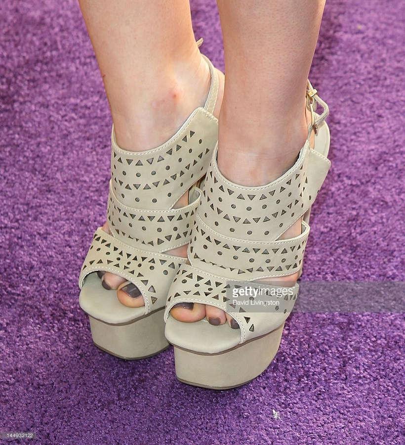 Bailey Buntain Feet
