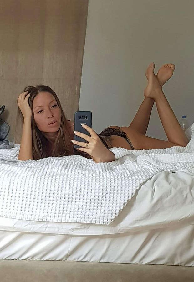 Marina Sazi Feet