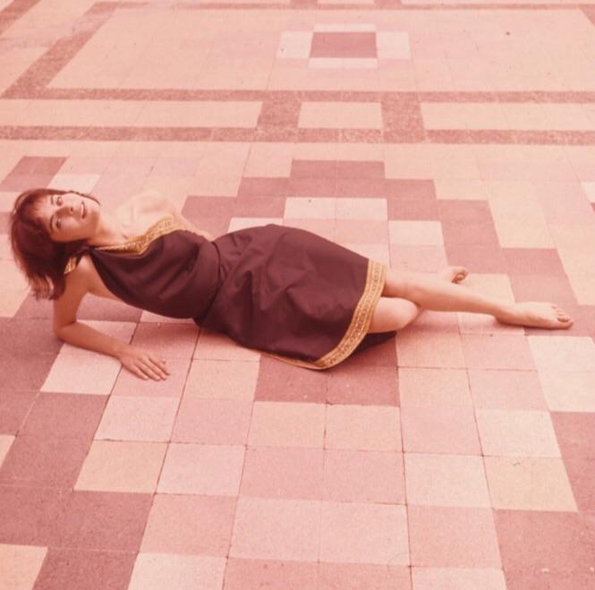 Juliette Mayniel Feet