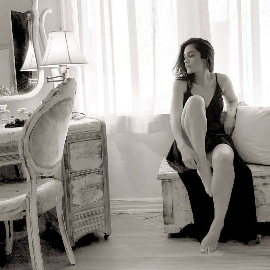 Odelya Halevi Feet
