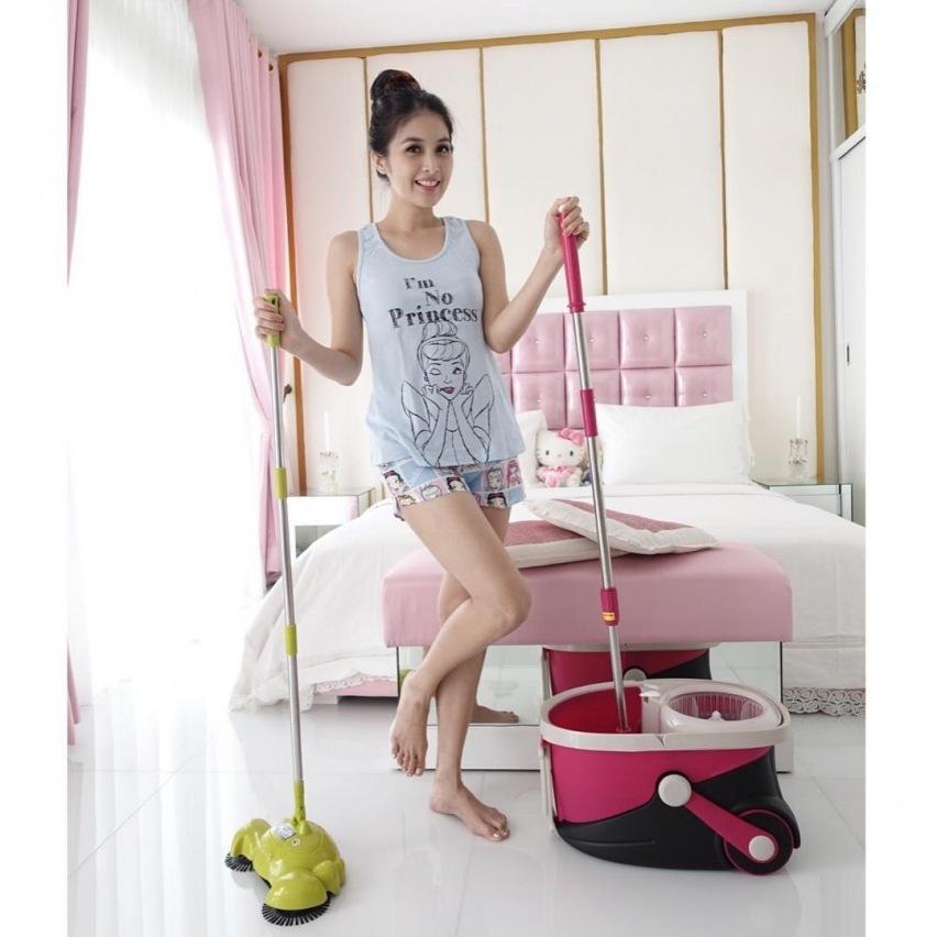 Sandra Dewi Feet