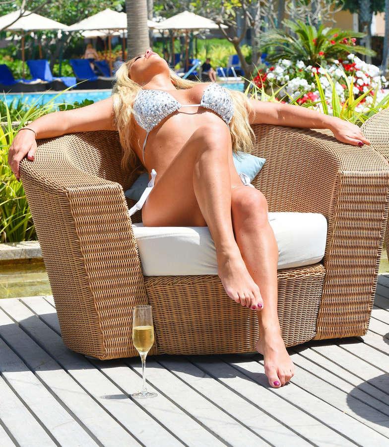 Bianca Gascoigne Feet
