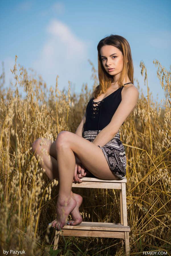 Debora Alta Feet