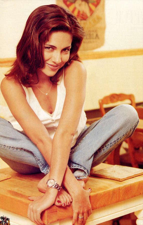 Vanessa Marcil Feet