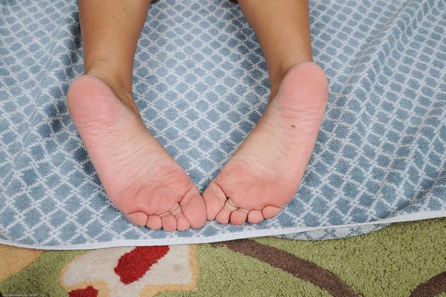 Holly Hudson Feet
