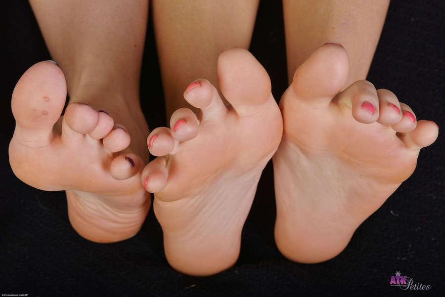 Lara Brookes Feet