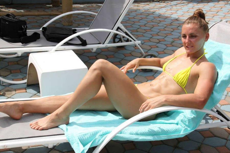 Aleksandra Albu Feet