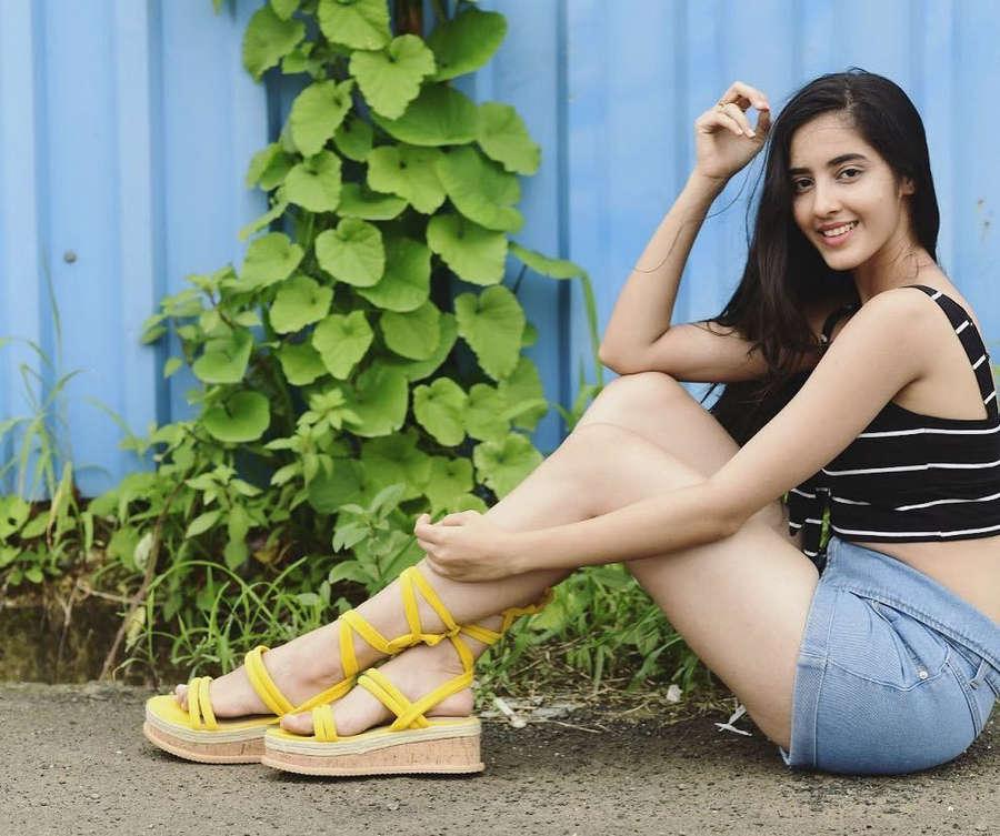 Simrat Kaur Feet