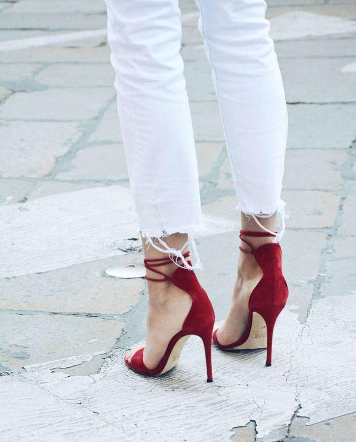 Soleil Sorge Feet