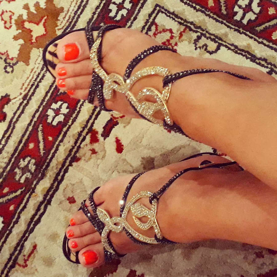 Dolly Shaheen Feet