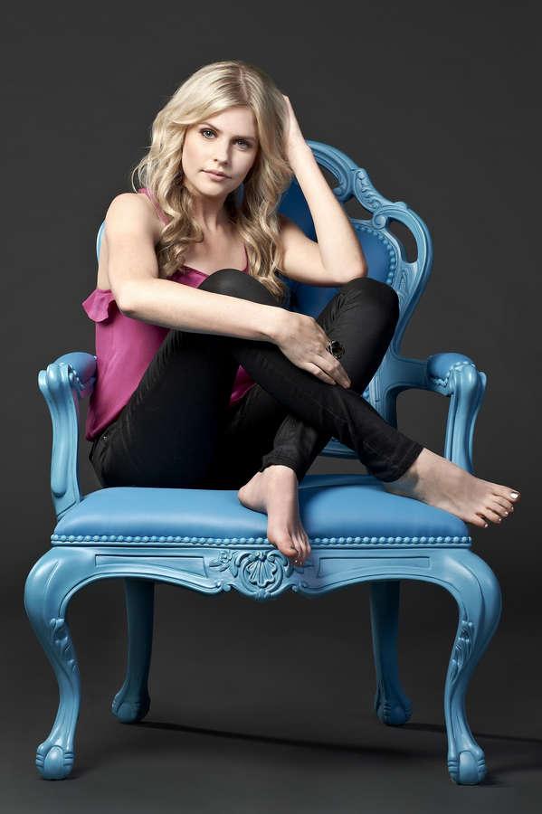 Jenna Rosenow Feet