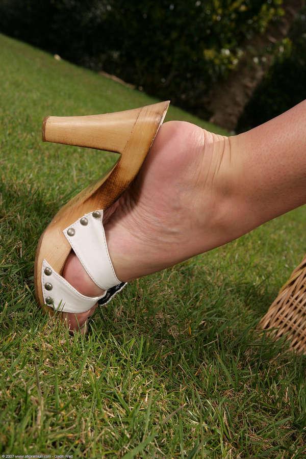 Peaches Feet