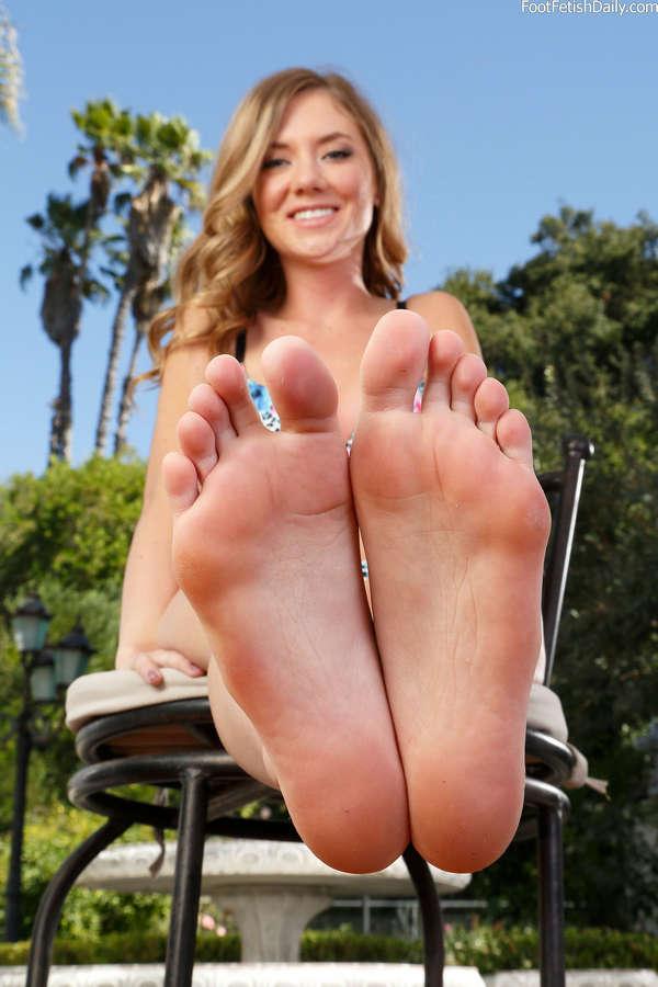 Alison Faye Feet