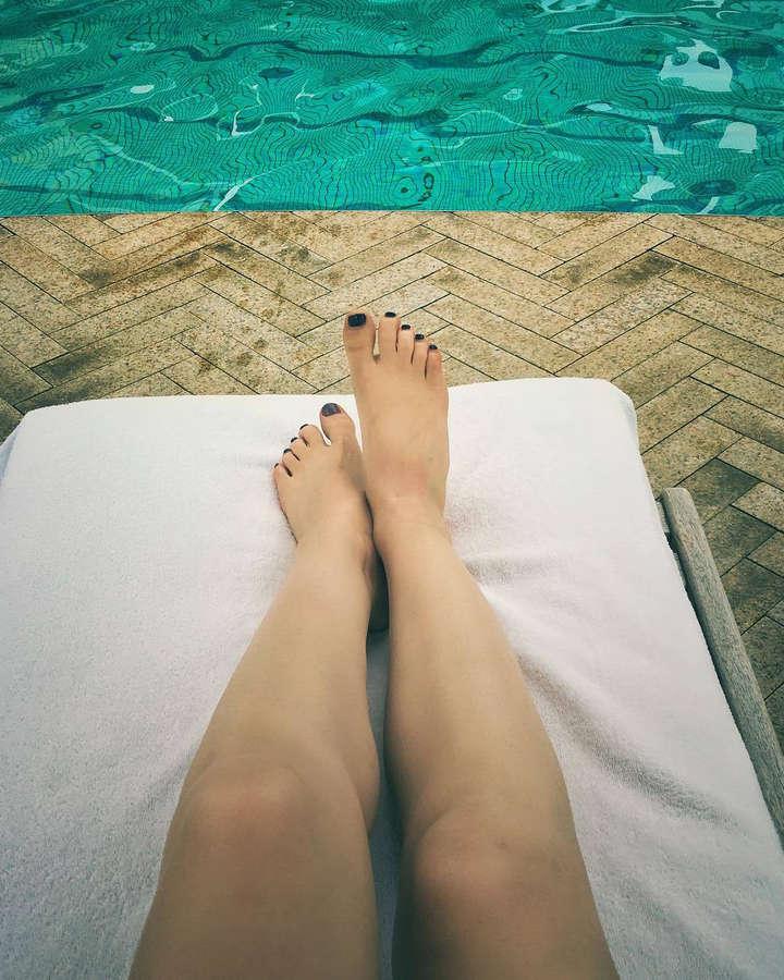 Adina Galupa Feet