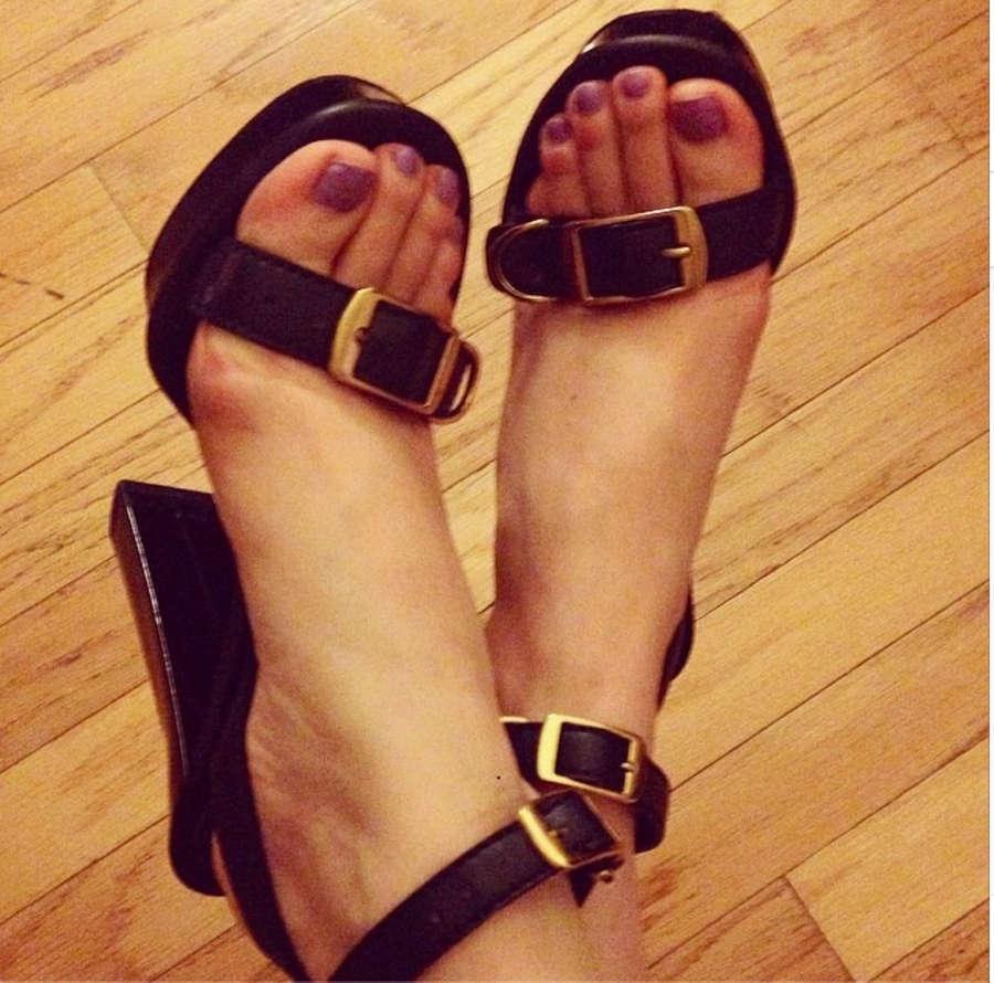 Atala Sarmiento Feet