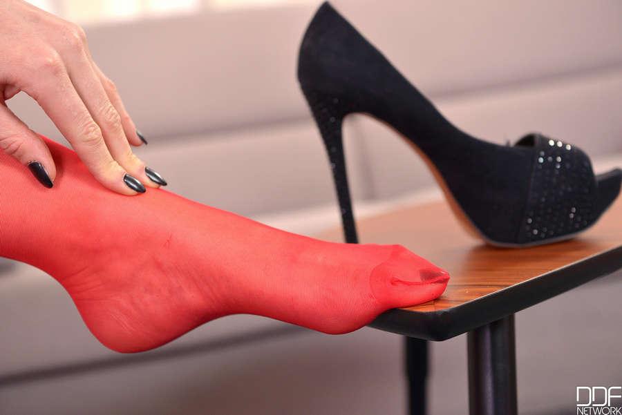 Yasmin Scott Feet
