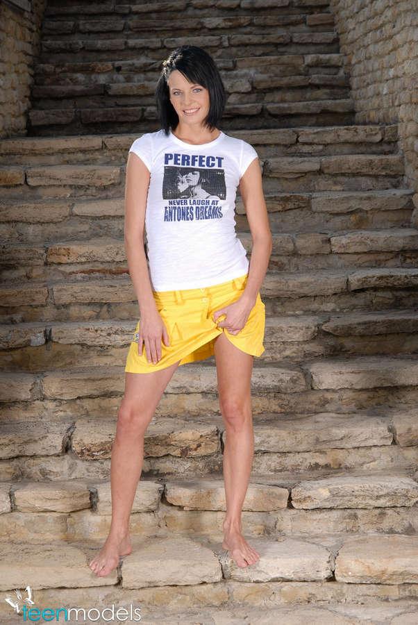 Liz Valery Feet