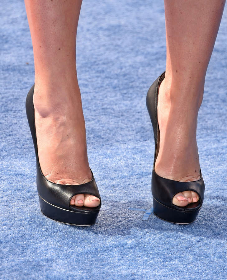 Amy Schumer Feet