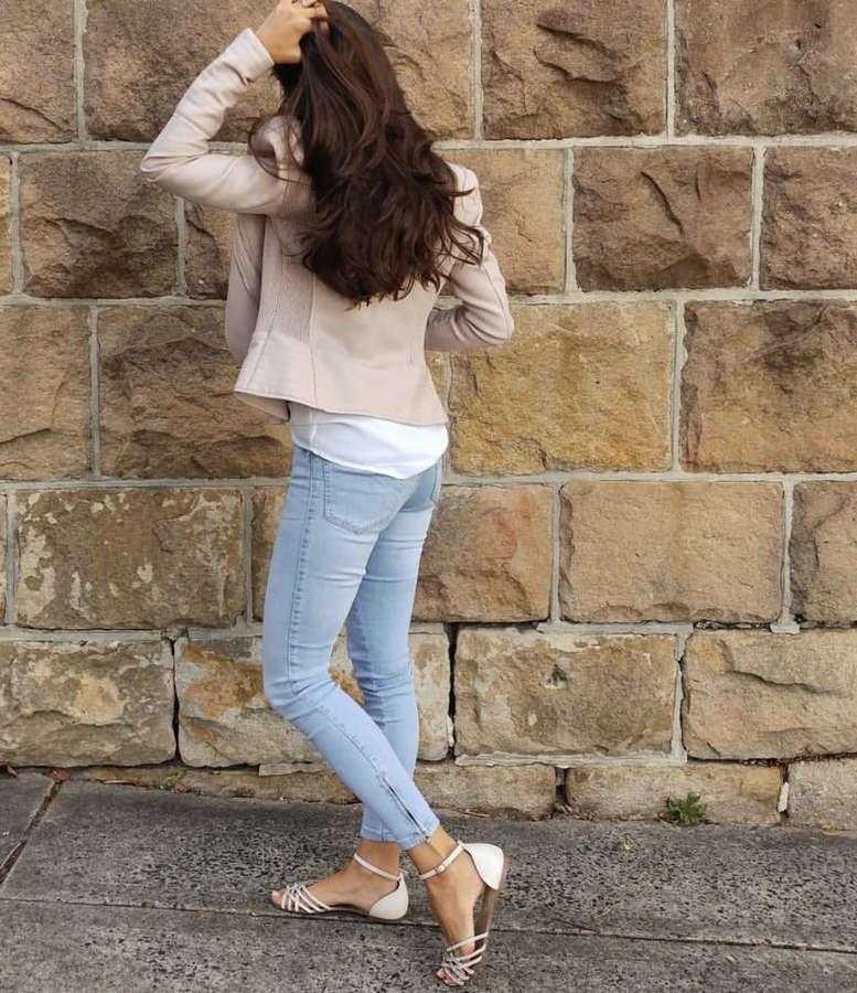 Jessica Holsman Feet