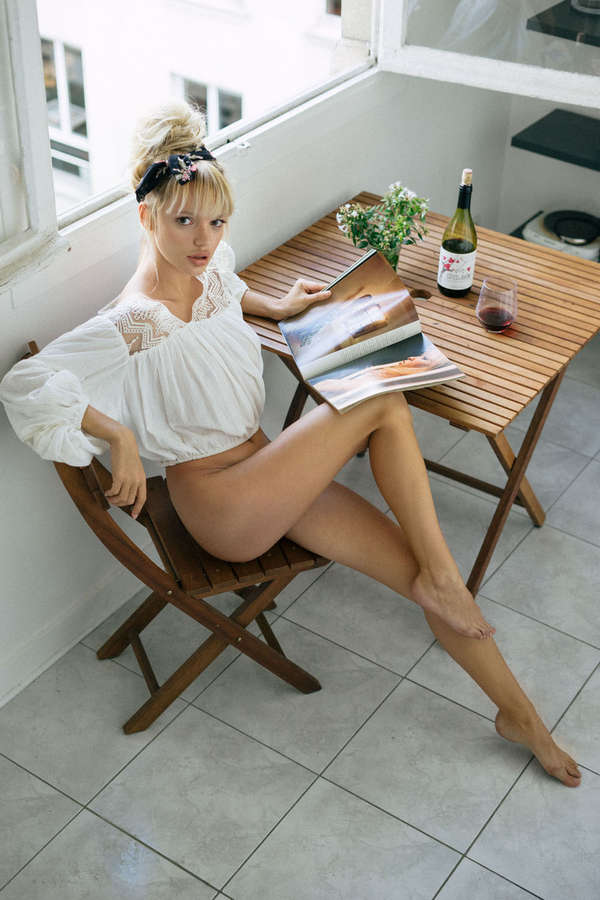 Pauline Baly Feet