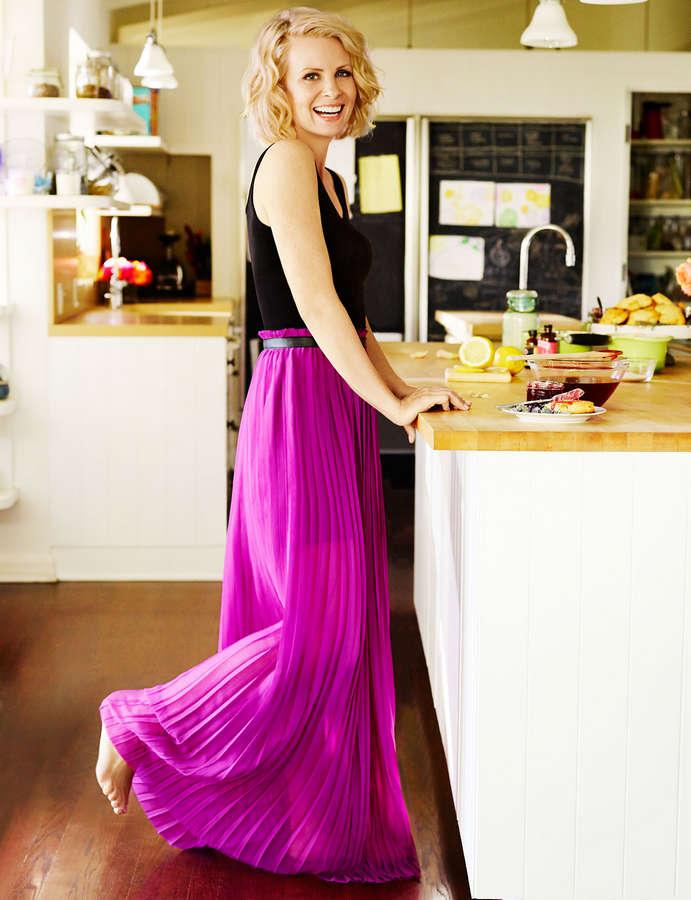monica-potter-skirt-beth-chapman-nude-model