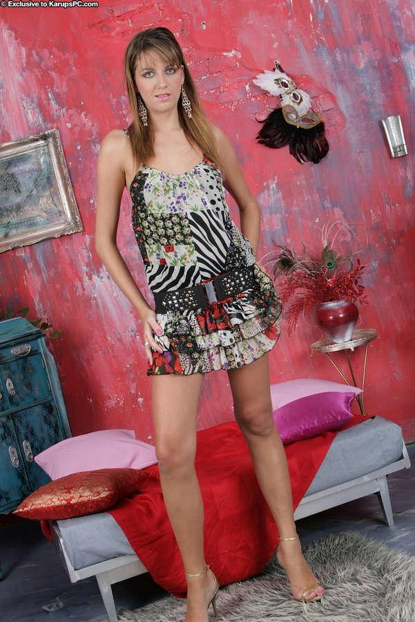 Alise Alanis Feet