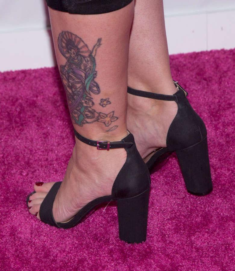Stephanie Corneliussen Feet