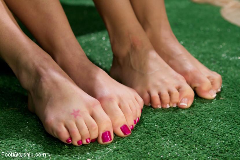 Gracie Glam Feet
