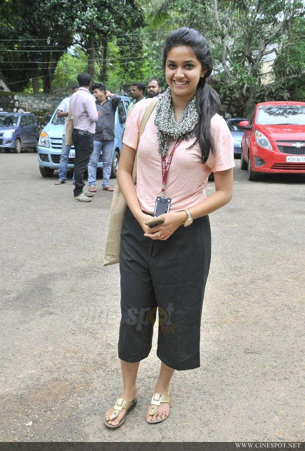 Keerthi Suresh Feet