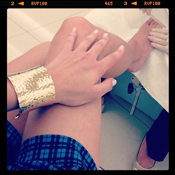 Luiza Valdetaro Feet