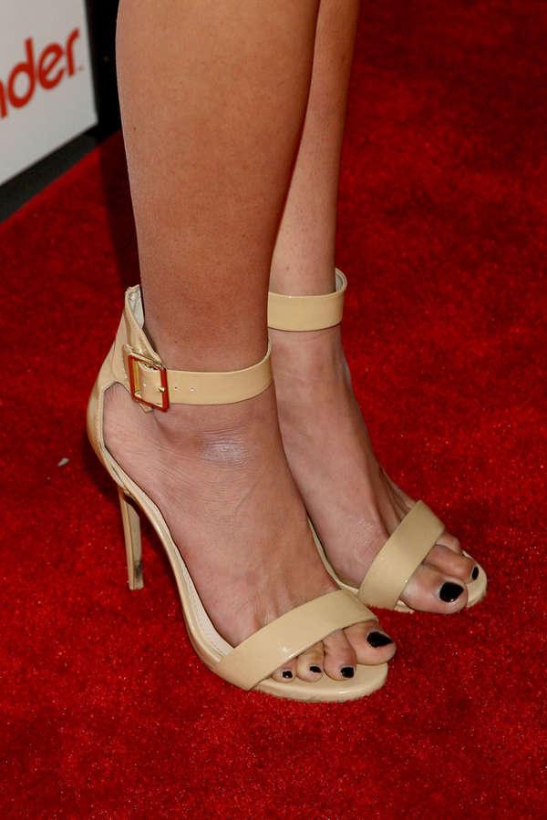 Kristen Doute Feet