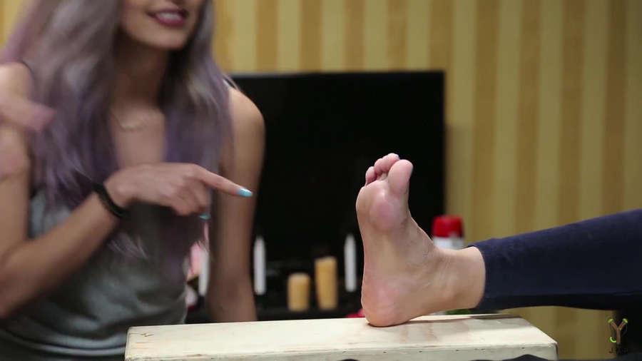 Geo Antoinette Feet