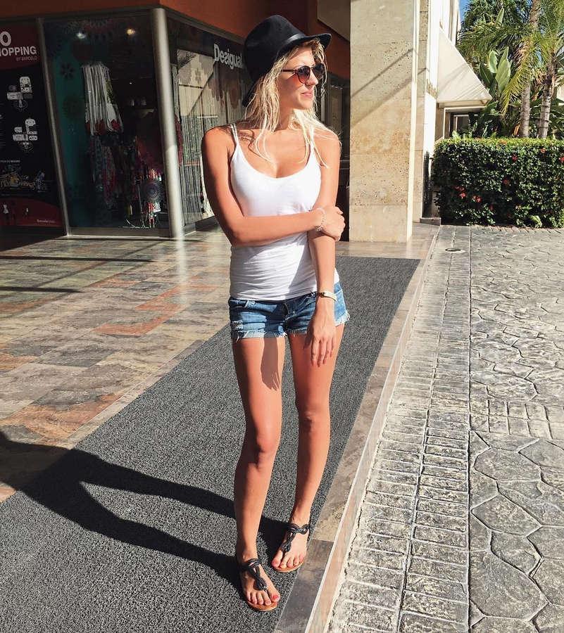 Sarah Nowak Feet