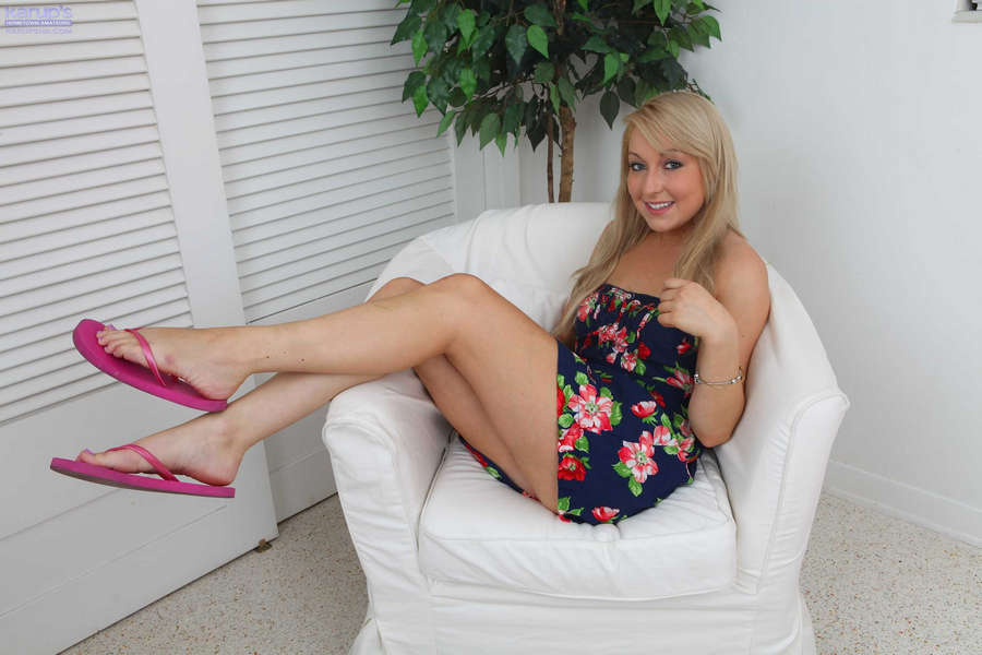 Valerie White Feet