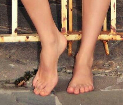 Sarah Bridges Feet
