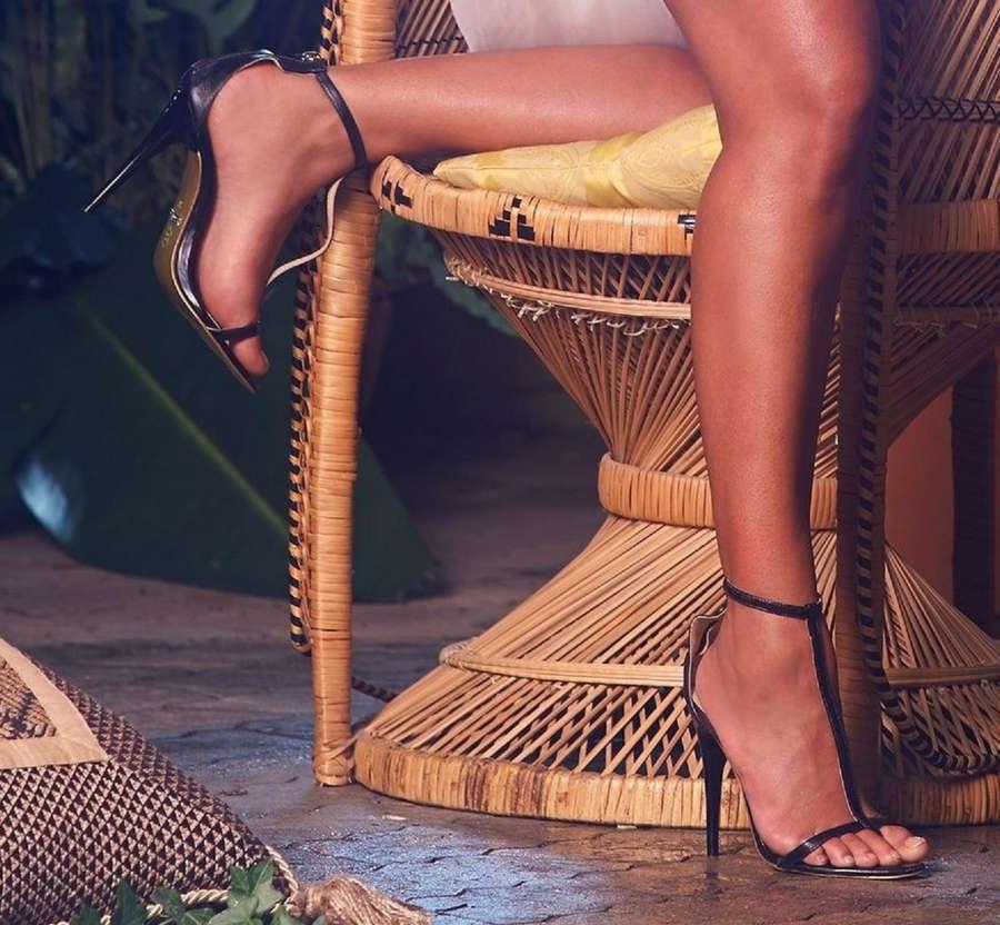 Gabriella De Almeida Rinne Feet