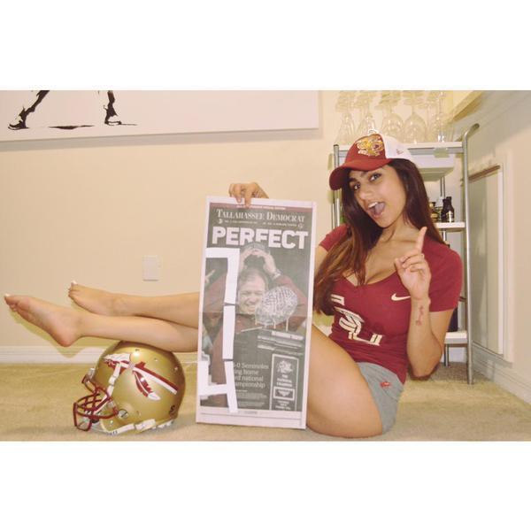 Mia Khalifa Feet (24 images) - celebrity-feet.com