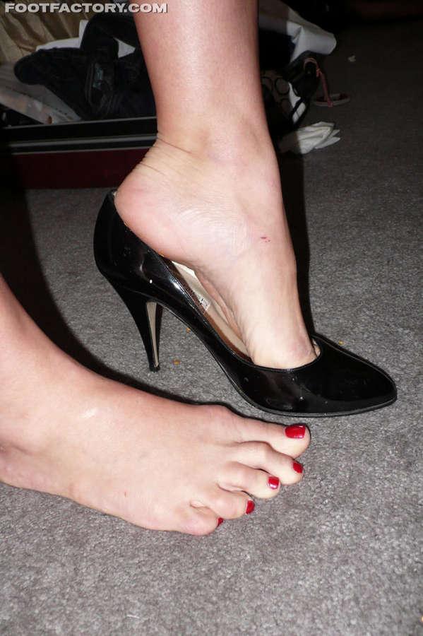 January Seraph Feet