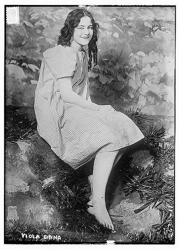 Viola Dana Feet