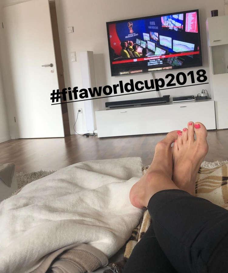 Lena Goessling Feet