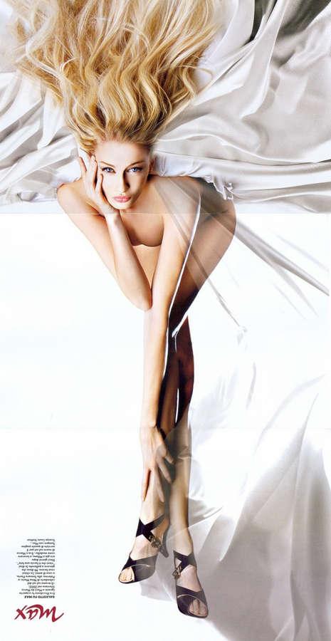 Eva Riccobono Feet
