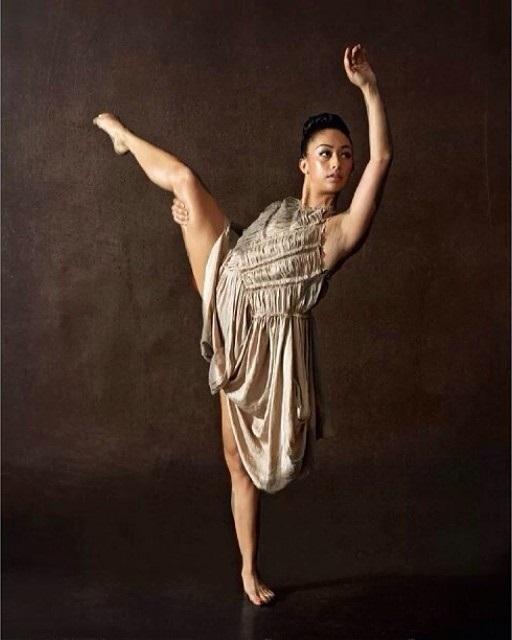 Michelle Janine Feet