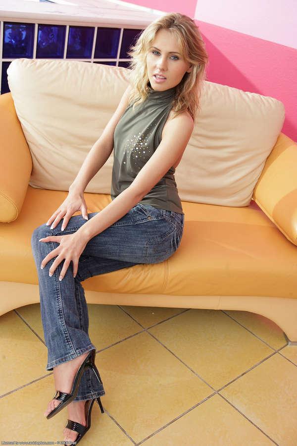 Zuzana Zeleznovova Feet (34 photos) - celebrity-feet.com